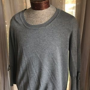Liz Claiborne gray sweater